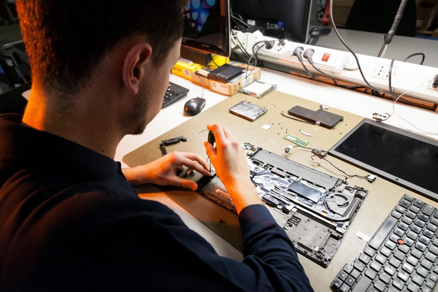 Tecnico di Elmec Informatica